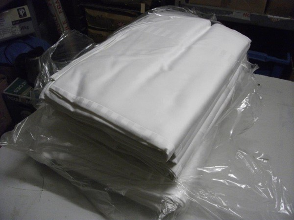 10x NEW White Table Cloths (Code TC 108A)