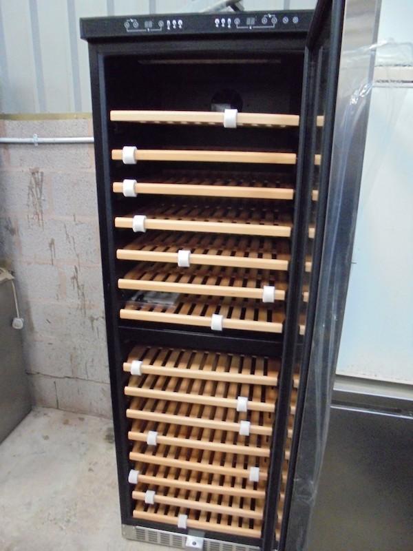New Dual Temperature Wine Fridge (4126)