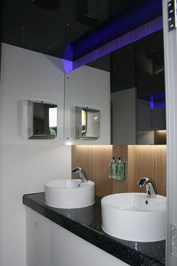 2 + 1 Luxury Recirculating Toilet Trailer