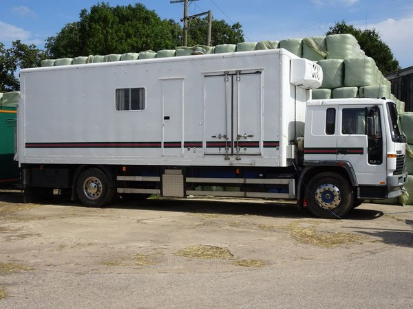 1998 Volvo 18T rigid Catering Truck and Generator