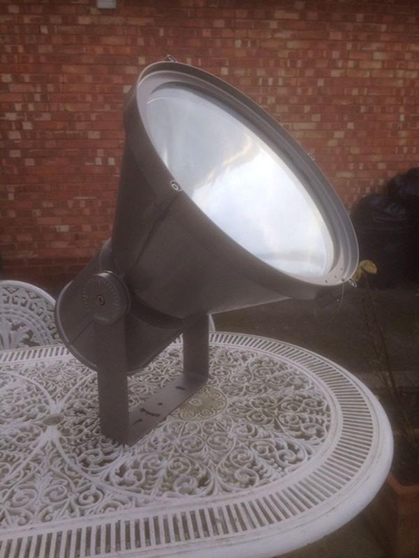3x Iguzzini Maxwoody Architectural Lamps