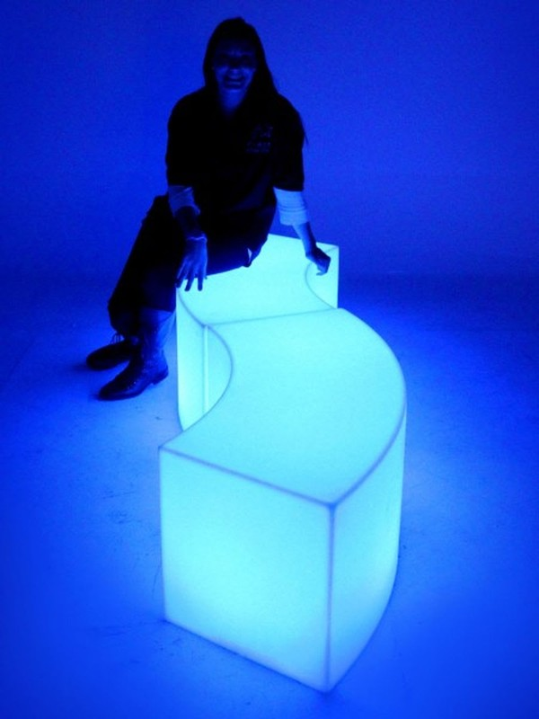 Illuminating Curved Benches
