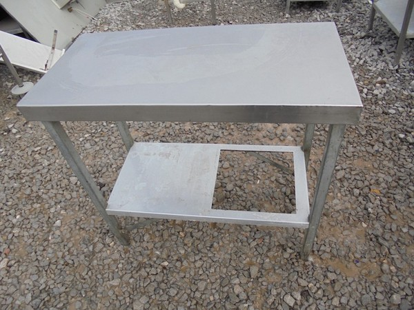 Stainless Steel Table (4293)