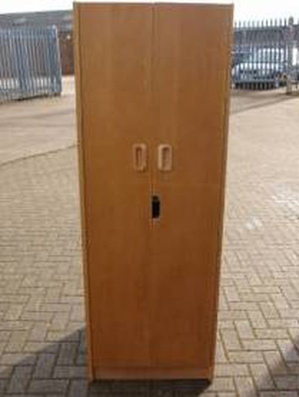 10 x Lockable Light Wood Single Wardrobe