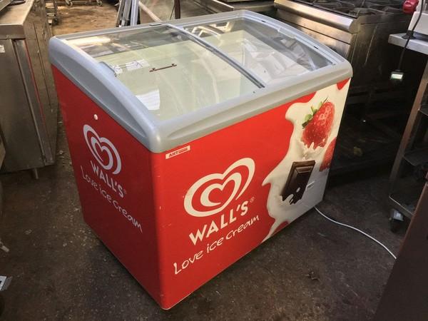 AHT Ice Cream Freezer with Walls Branding
