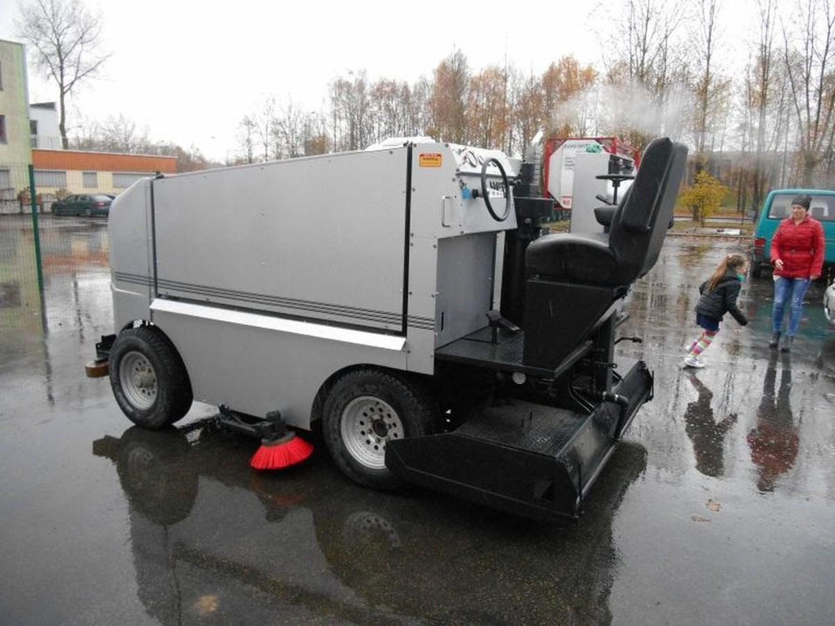 Ice Rink Equipment Ice Resurfacing Ice Resurfacer