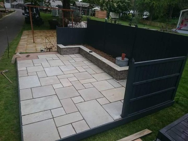 Stone paving show stand