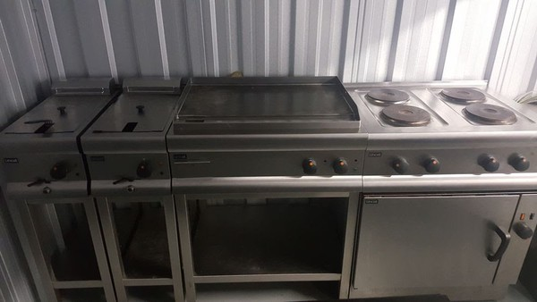 Complete Kitchen Equipment