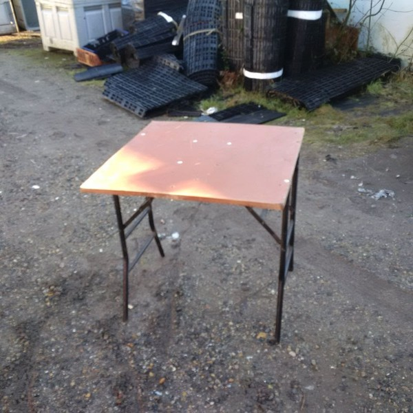 2ft 6in x 2ft 6in Table