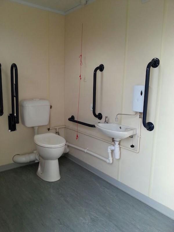 40Ft Toilet Block
