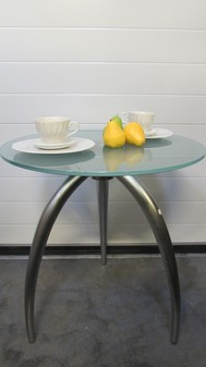 Tripod café tables x 18