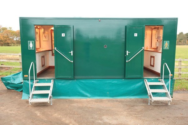 3+1 Luxury Toilet Trailer Unit