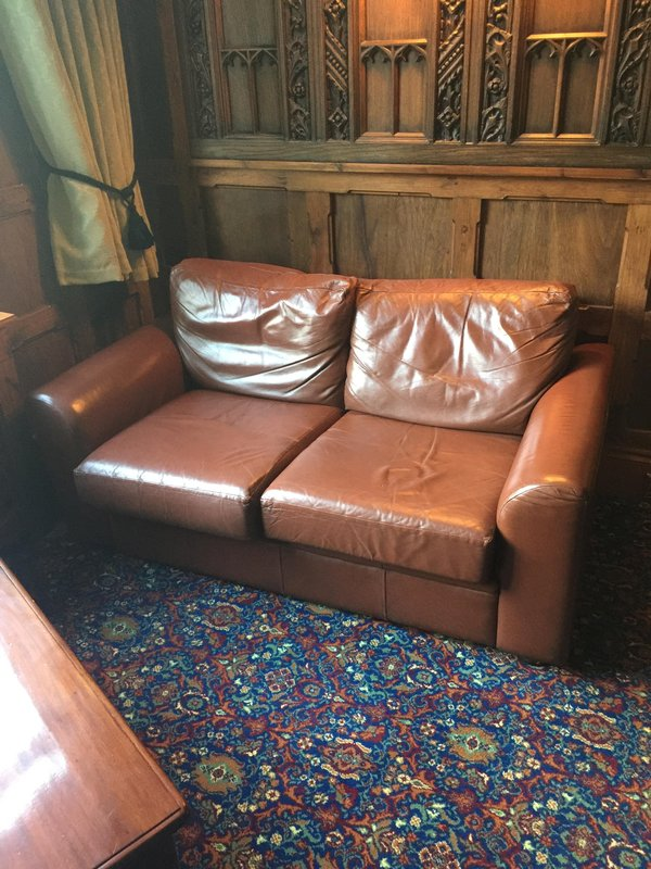 2 Seater Leather Settees / Sofas