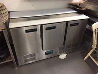 Polar counter fridge