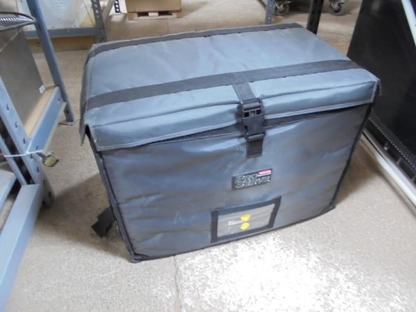 Rubbermaid thermal box.