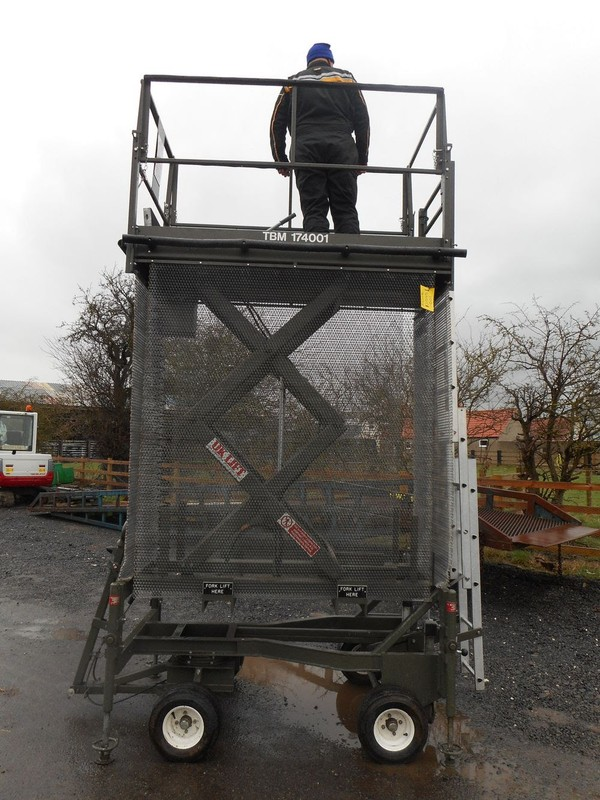 Scissor Lift Up
