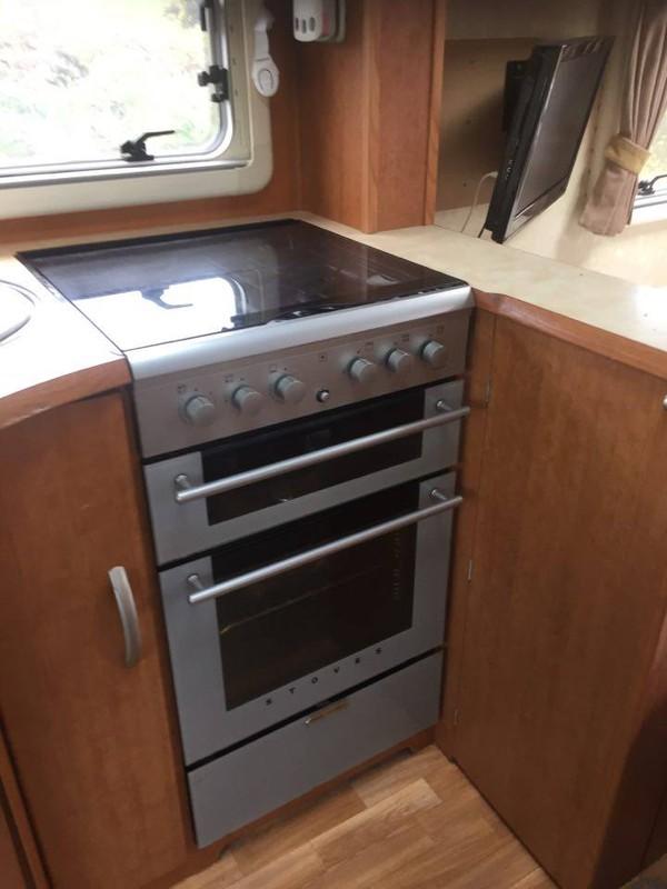 Full sized cooker