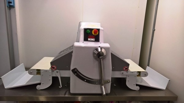 Table Top Pastry Sheeter