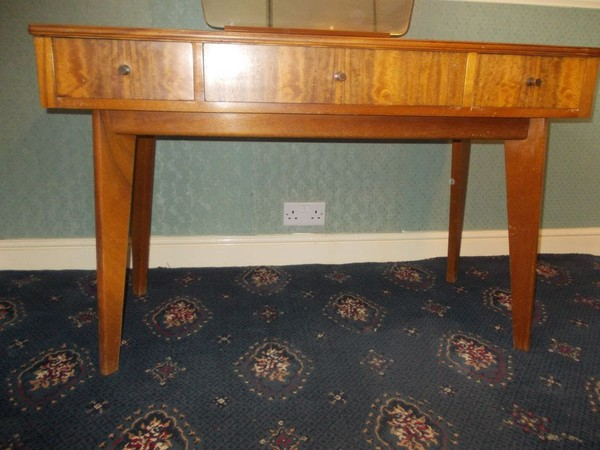 Morris of Glasgow Three Drawer Dressing Table Australian walnut