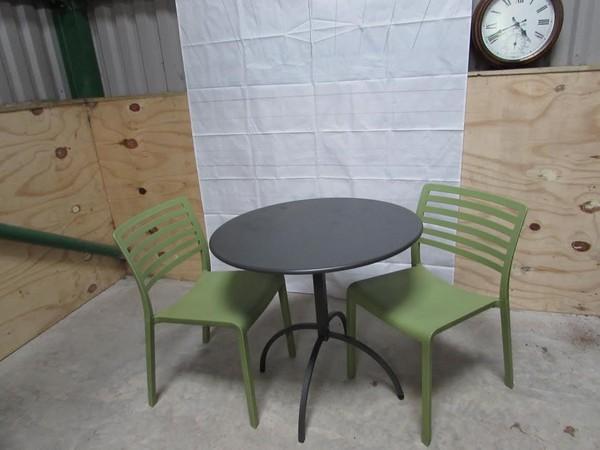 Elephant grey/brown metal Table