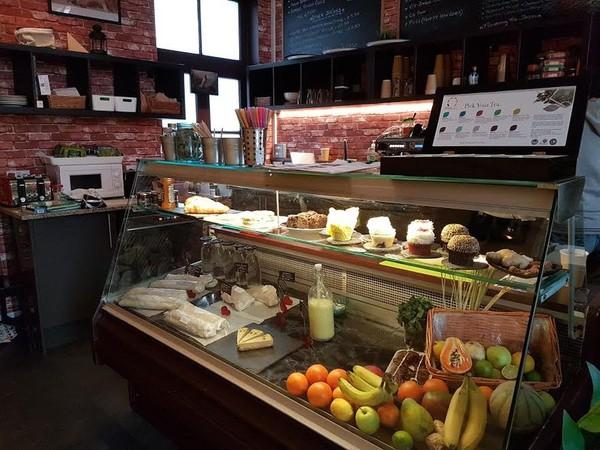 Fridge Cafe Restaurant