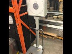 Weylux Floor Standing Weighing Scales