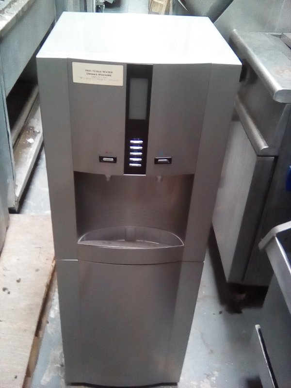 New hot and cold water dispenser