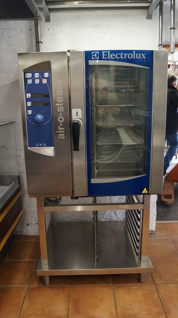Electrolux Air O Steam 10 Grid Gas Oven With Stand