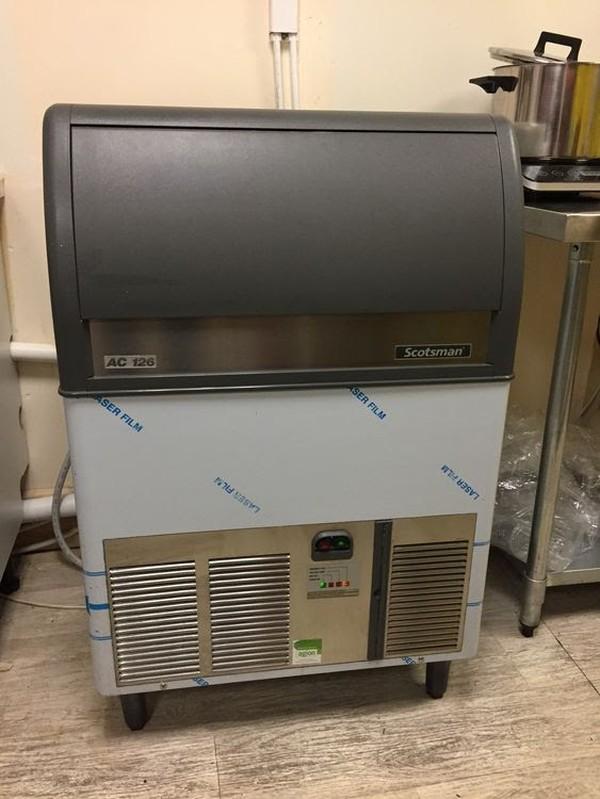 Ice Machine - Scotsman AC126