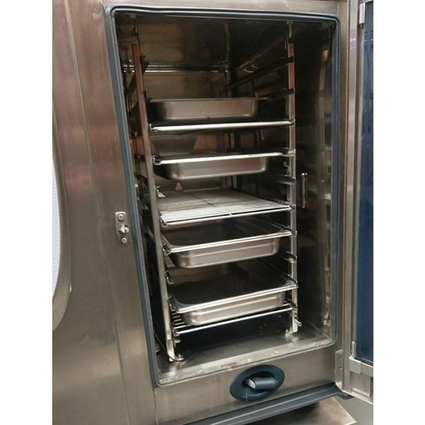 Rational SCC Self Cooking Centre 101 Combi Oven (Product Code: CF1014) - Peterborough, Cambridgeshire 4