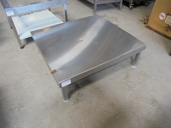 Stainless Steel Stand (5010)