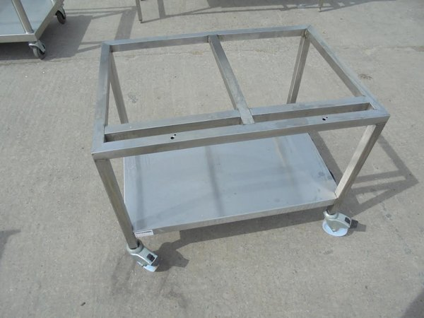 Secondhand oven stand