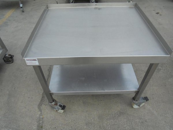 Oven stand on castors