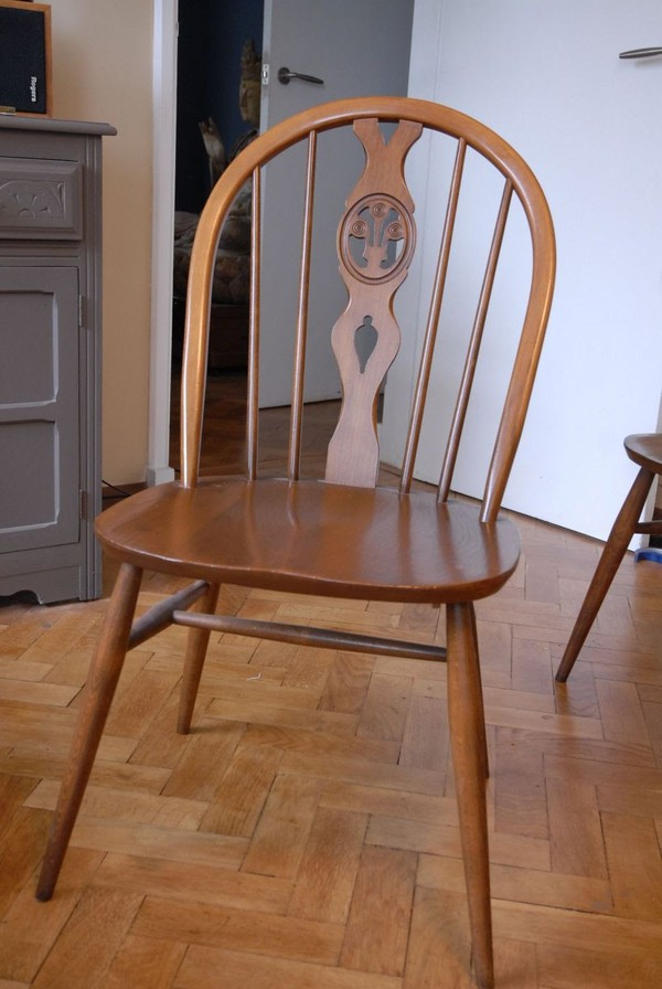 Set of 8 Ercol 'Fleur-de-lis' Mid-Century Dining Chairs