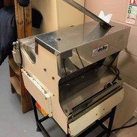 Delta Commercial Bread Slicer