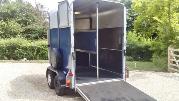 Ifor Williams HB505 Horse Trailer