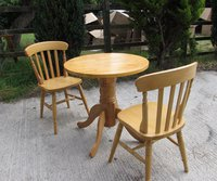 Round Oak Pedestal Tables