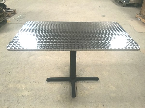 Outdoor table brushed aluminium