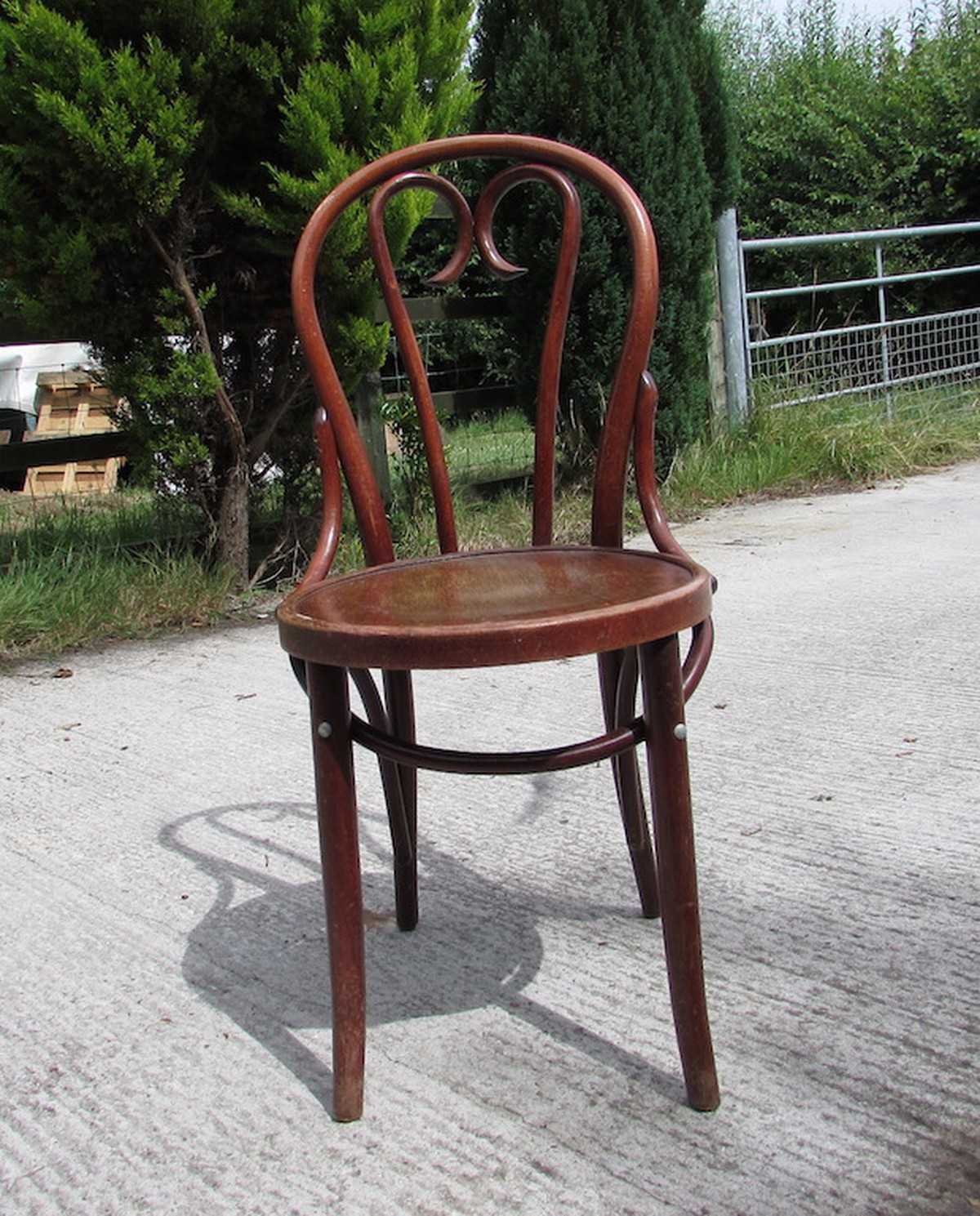 Charmant Vintage Bentwood Chairs ...