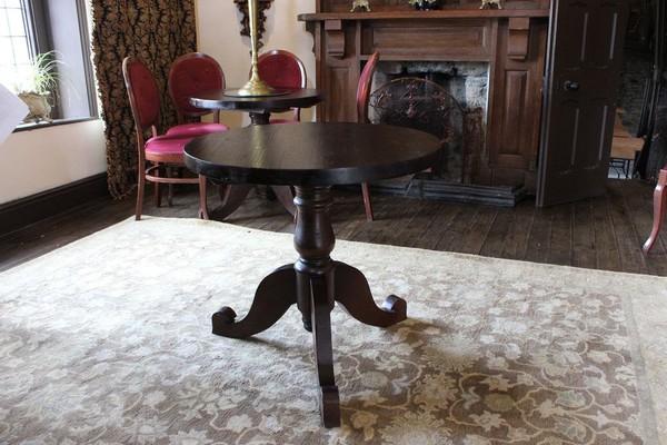 Round Pedestal Tables