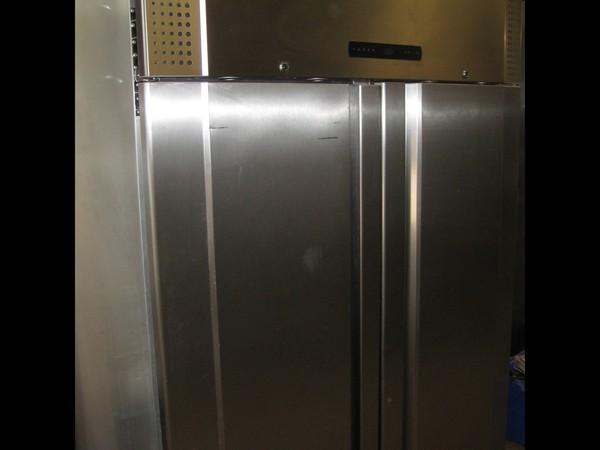 Gram Commercial Double Door Freezer
