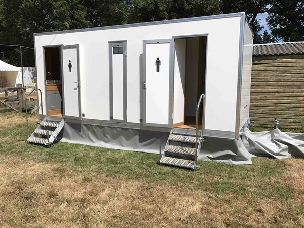 Brand New 3 Plus 1 Luxury Toilet Trailers