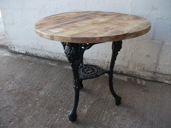 14 Girls Head Cast Iron Pub Table With Rustic Wooden Top New