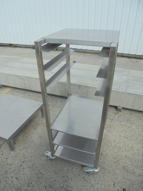 Stainless Steel Stand (5468)