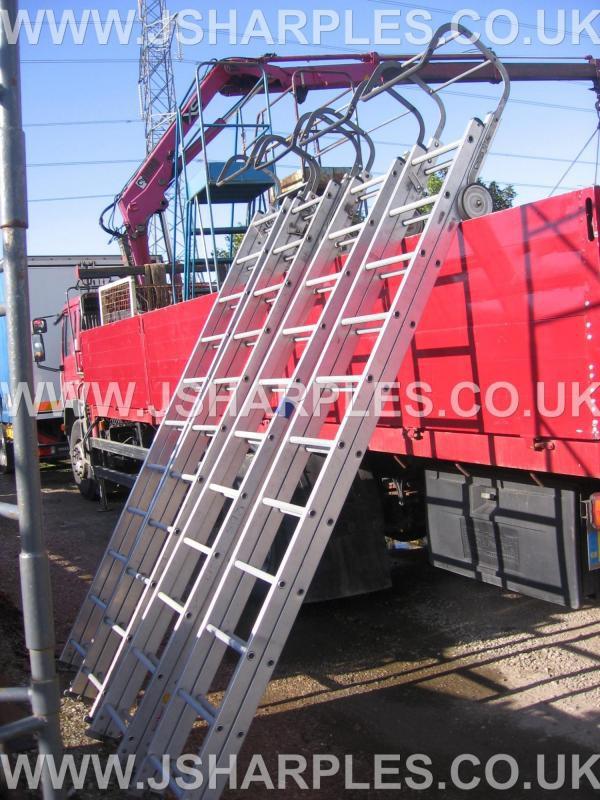 Folding 20Ft Roof Ladder / Cat Ladder