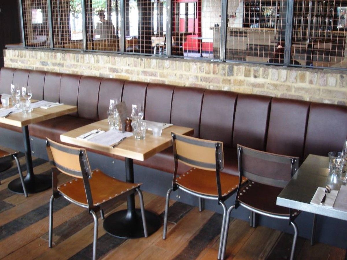 Secondhand Pub Equipment Furniture Bench Seating