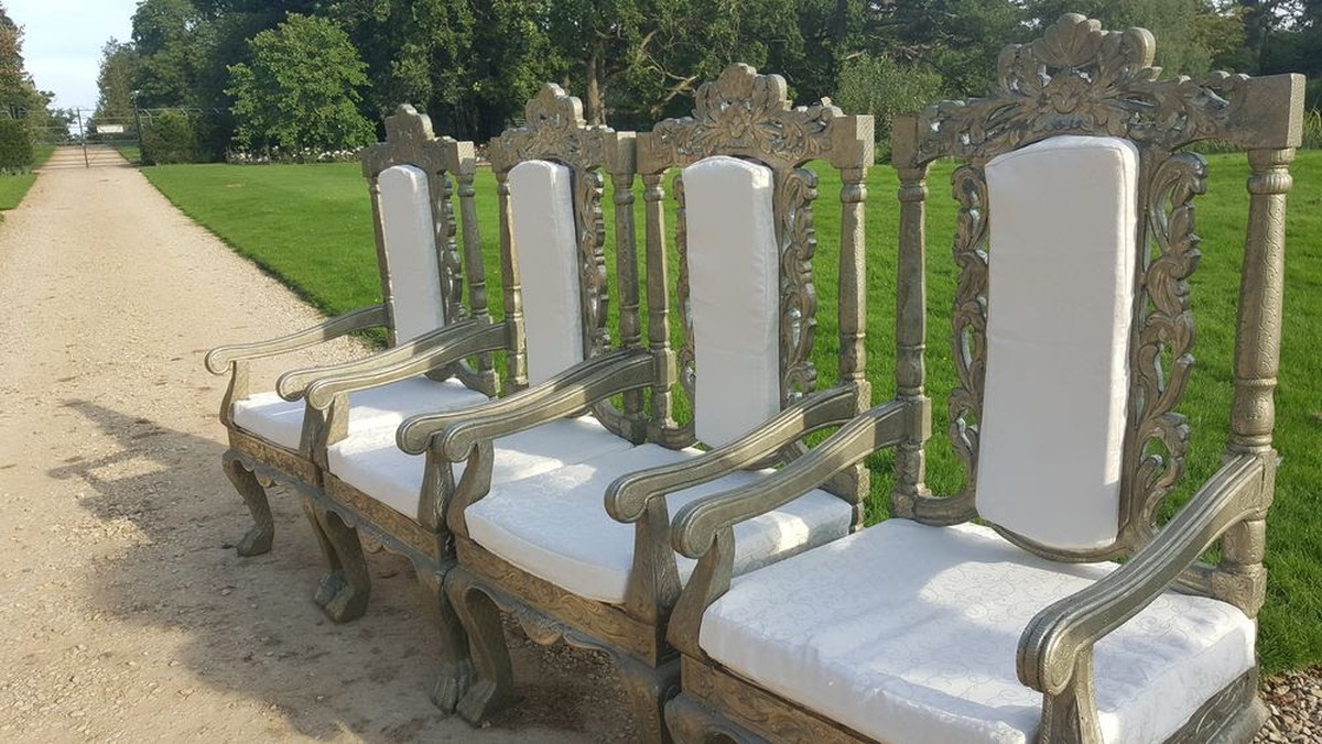 secondhand prop shop thrones and wedding chairs 4x wedding event antique throne chairs in. Black Bedroom Furniture Sets. Home Design Ideas
