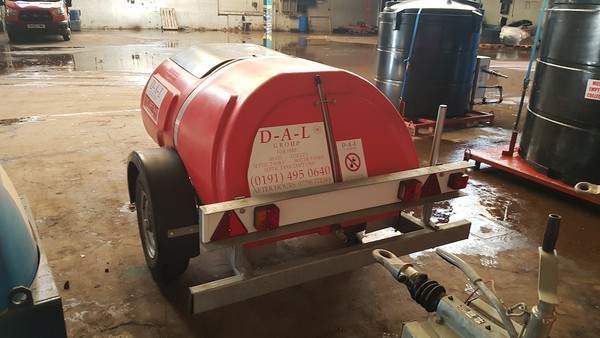 1000 Litre Road Tow Water Bowser