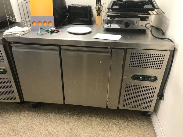 Parry RCF2 2 Freezer 2 door counter unit