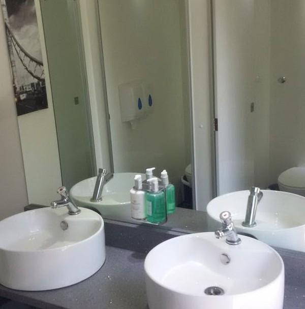 Luxury 3+1 toilet trailer sinks